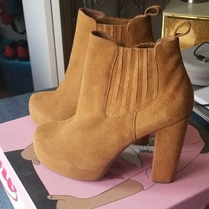 Jeffrey Campbell Abby Chelsea Bootie